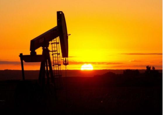 美原油续刷2个月低点!4月覆辙或不会重蹈,但三大利空或令美油进一步下探36.23美元