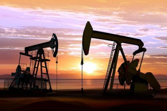 INE原油收跌,受股市大跌拖累;美国经济复苏面临停滞,全球地缘局势恶化