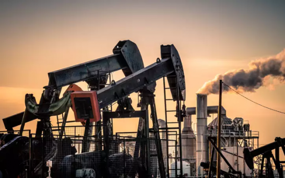 国际油价小幅回落,多头欲守护上日录得的巨大涨幅,但三方面因素让它们心有余力不足