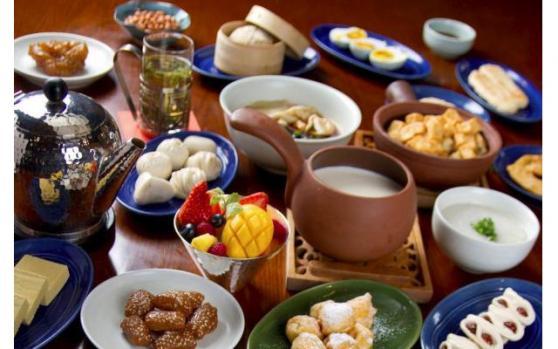 7月25日财经早餐:美金跌势超越,日元创逾四个月新高,黄金九年以来首次升穿1900