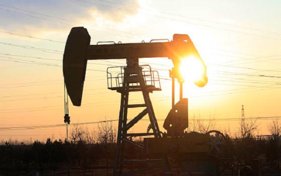 多头福音!负油价噩梦过后,经济重启自驾出行受追捧!油价有望延续反弹走势